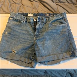 Gap 1969 sexy boyfriend shorts 29